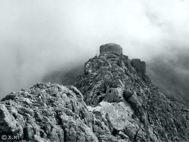 09 medieval castle rocks