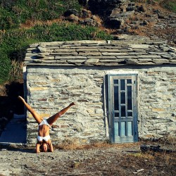 Κυπαρίσσι #headstand #islandlife #daysinikaria by Sofia Pavlides (@so_soso7) on instagram