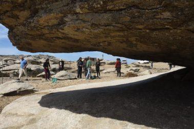 Picture 07: Oasificators seen through the rocks